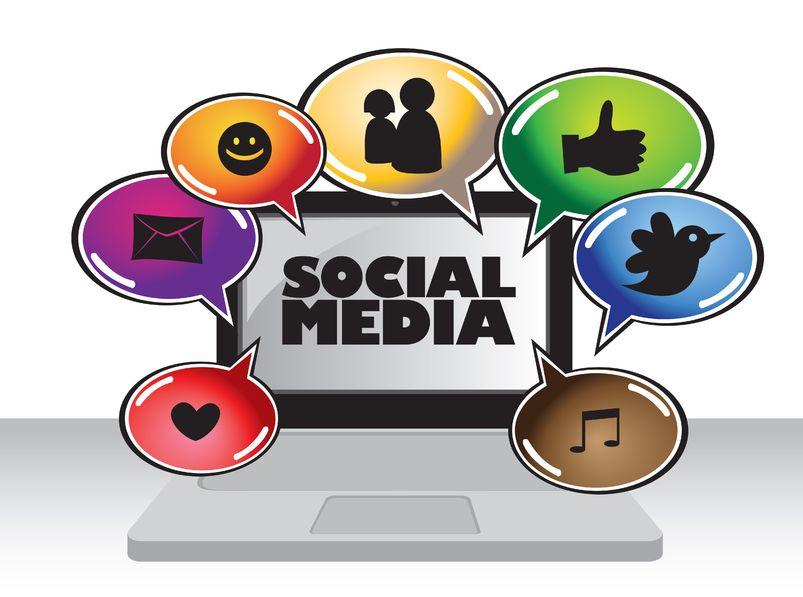 social media computer_big